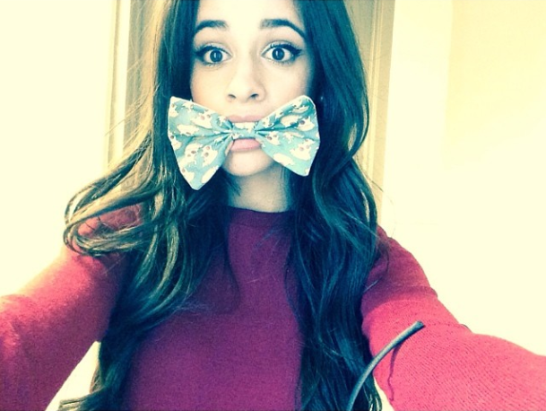 camila-cabello-hair-bow-8