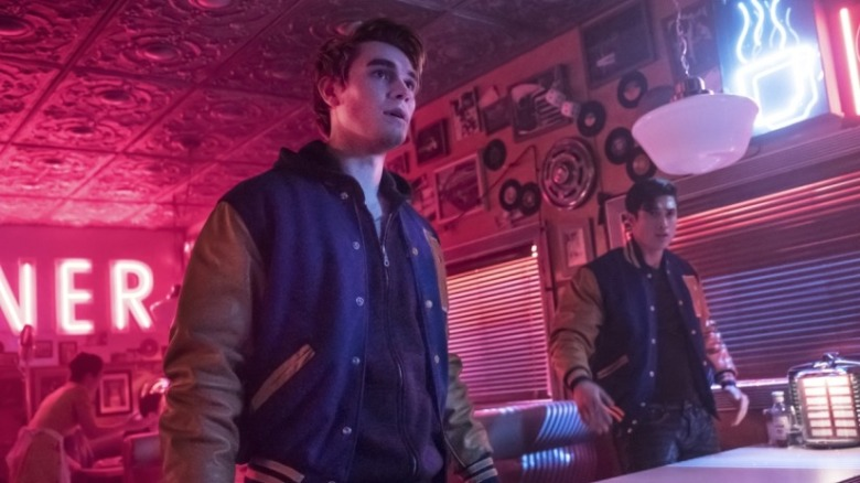 riverdale_season_2_episode_21_judgment_night